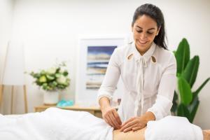 Livia Garcia acupuncture 04