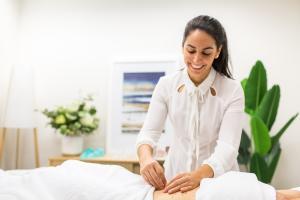 Livia Garcia acupuncture 03