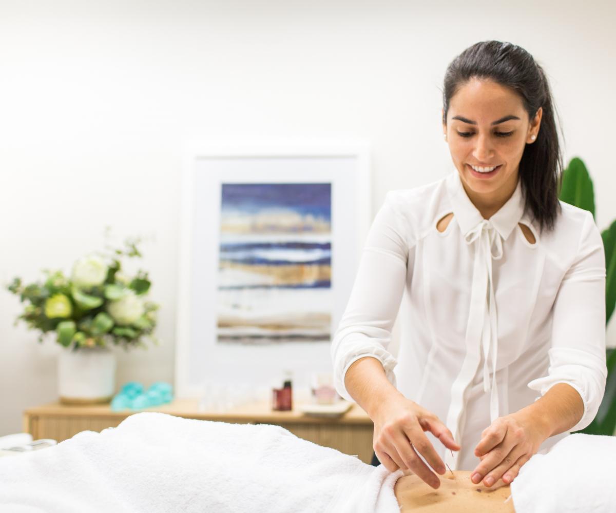 Livia Garcia acupuncture 02