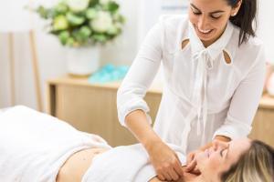 Livia Garcia acupuncture 01